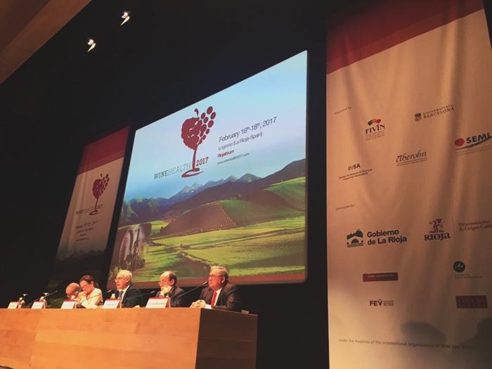 Médicos de todo el planeta defienden el consumo moderado de vino