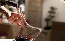 ¿Cuándo y cómo decantar un vino? 10 reglas básicas