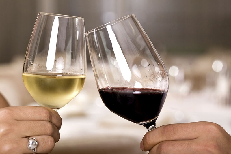 Los hogares españoles gastan más en vinos