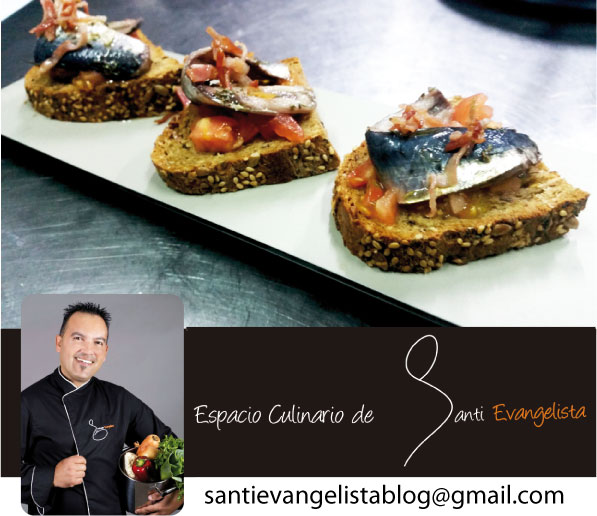 Tostada de sardina marinada con tomate y bacon