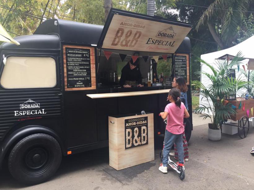 """Gastronomía sobre ruedas: las dos capitales canarias buscan sitio a los """"foodtrucks"""""""