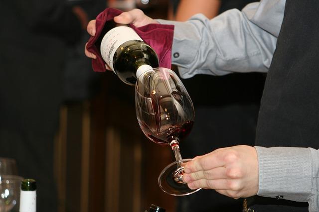 """Inventan una """"lengua electrónica"""" para hacer un test de calidad a los vinos"""