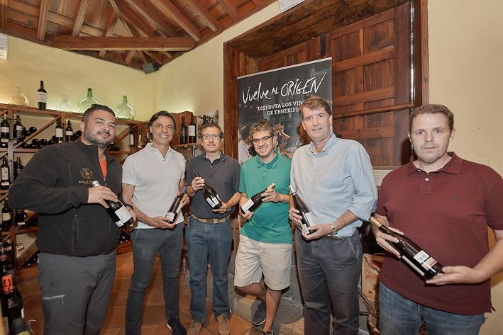 El prestigioso sumiller Ferrán Centelles  se interesa por los vinos de Tenerife