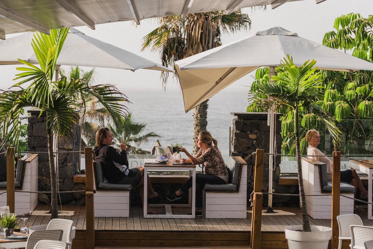 Flores para ella, dulces sorprendentes y estreno de lo mejor de la nueva carta de Andana Beach Club & Restaurant para el Día de la Madre