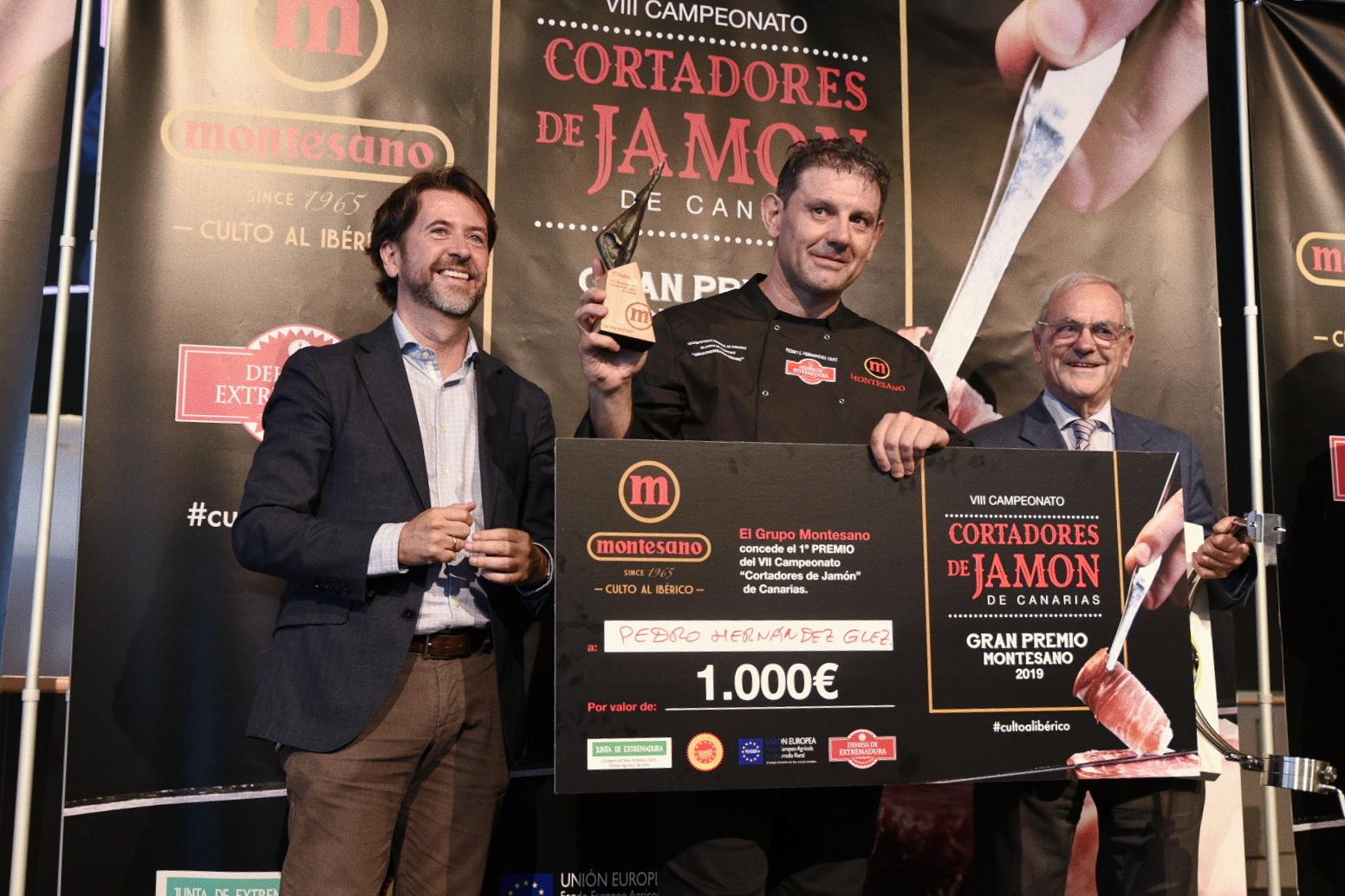 El tinerfeño Pedro Hernández, vencedor del VIII Campeonato de Canarias Absoluto de Corte de Jamón - Gran Premio Grupo Montesano