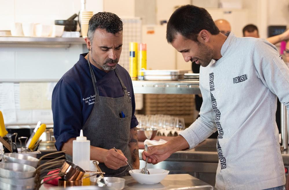 Gran éxito de la primera sesión de 'Canarias BrotherFood', con los chefs Francisco Expósito (Donaire, Tenerife) y Borja Marrero (Texeda, Gran Canaria) y un elegante menú cargado de canariedad