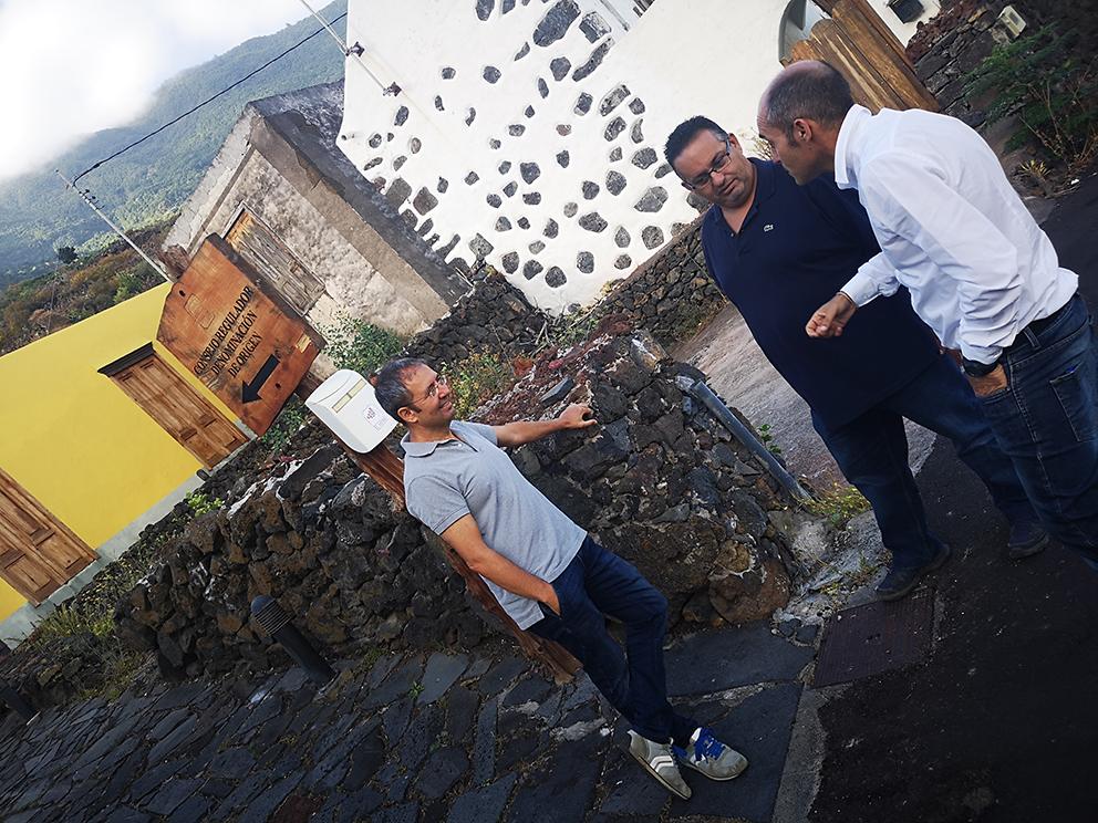 El Cabildo de El Hierro contrata asistencia técnica para los 239 viticultores inscritos en el CRDO