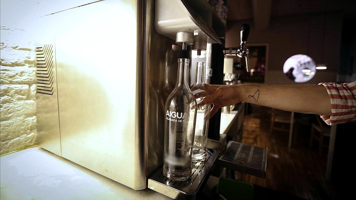 Las aguas filtradas en restauración: un negocio poco cristalino