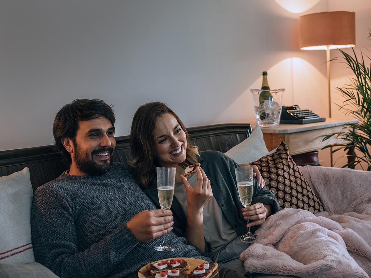 Fines de semana y en compañía, los momentos preferidos por los españoles para consumir vino