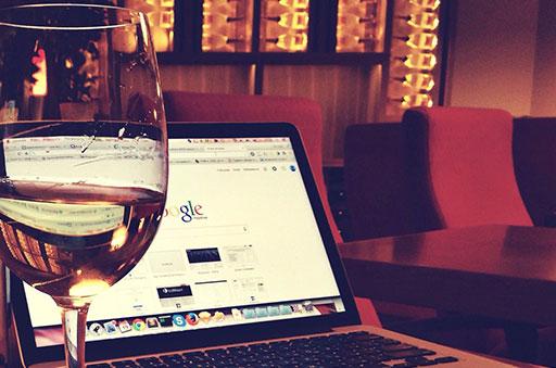 El sector del vino se presenta como una oportunidad laboral y de negocio en auge y que cada vez requiere a personas con más cualificación