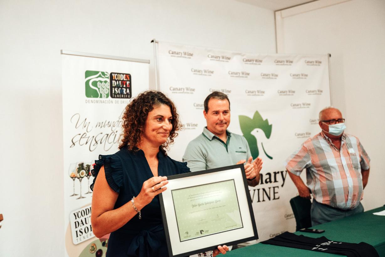 La tercera promoción de sumilleres del Campus del Vino de Canarias recibe sus títulos