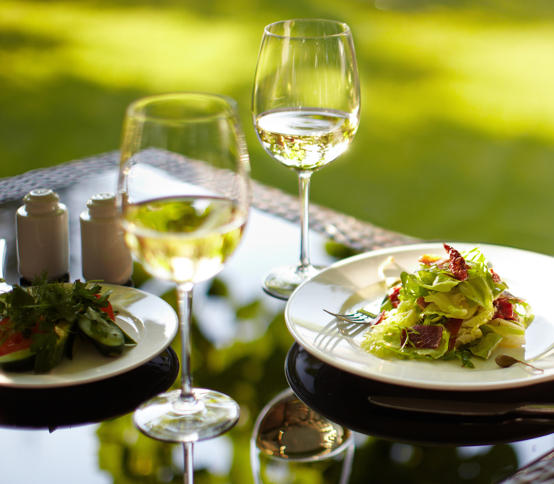 El consumo moderado y responsable de vino reduce la incidencia de enfermedades cardiovasculares