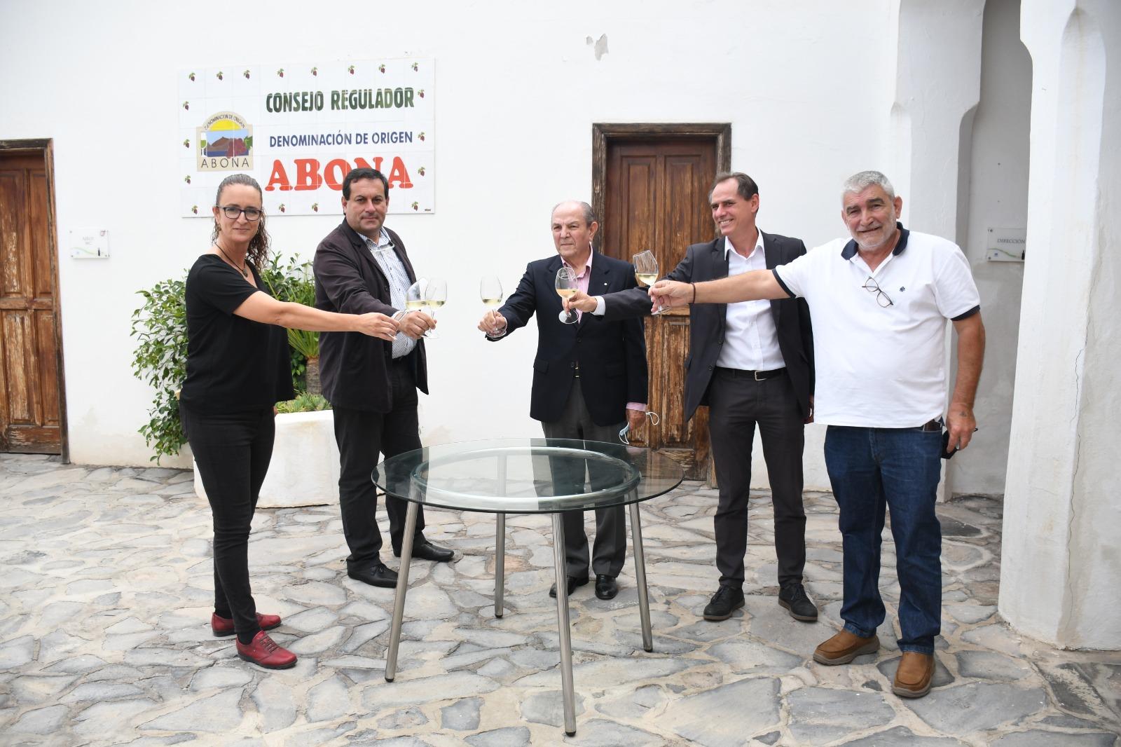 La Denominación de Origen de Vinos Abona presenta el curso de gestión de visitas guiadas en bodega