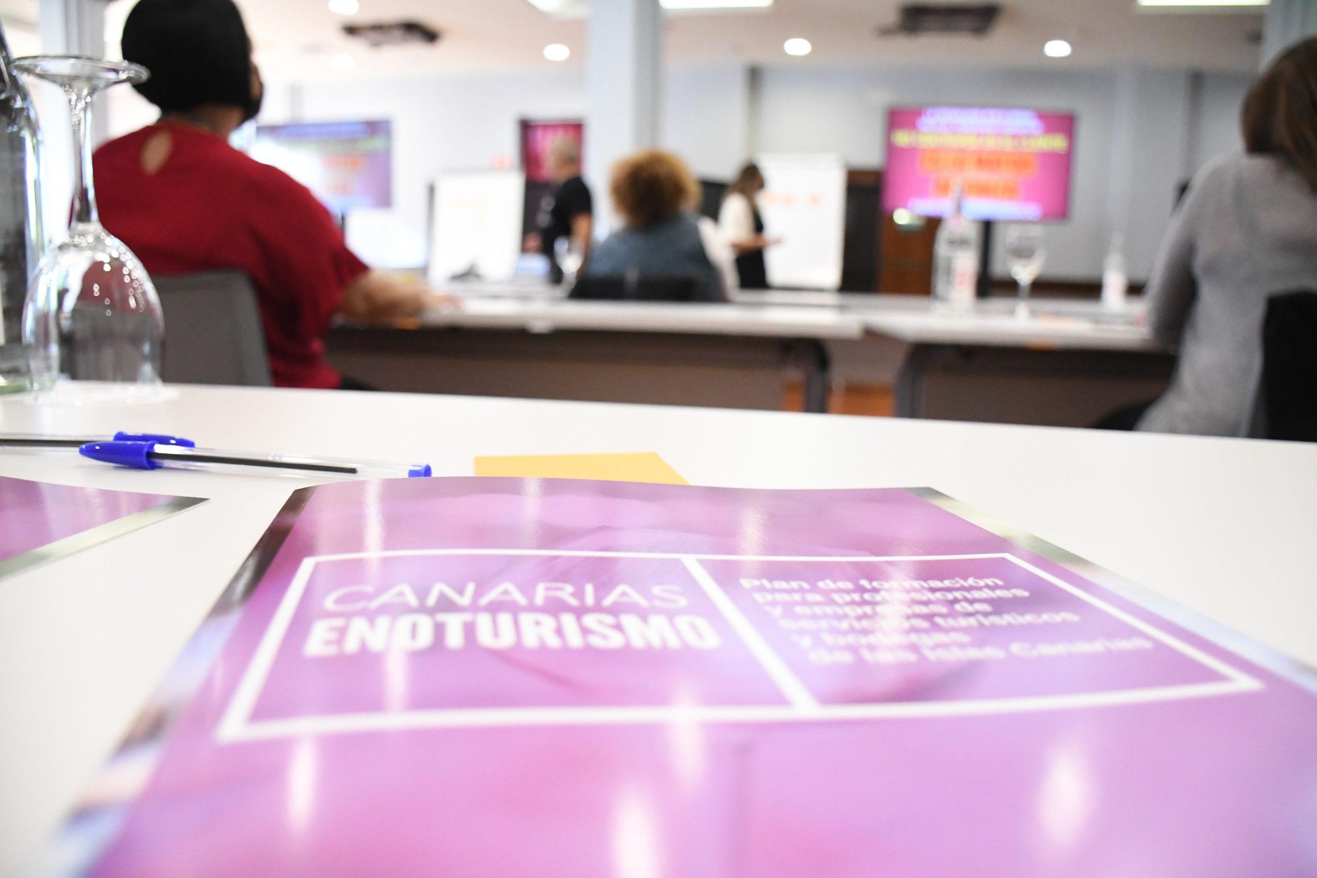 Javier Sirvent, Canarias puede competir con la transformación digital en solucionar problemas turísticos y enológicos