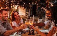 El 93% de los consumidores de vino en España prefieren tomarlo en compañía